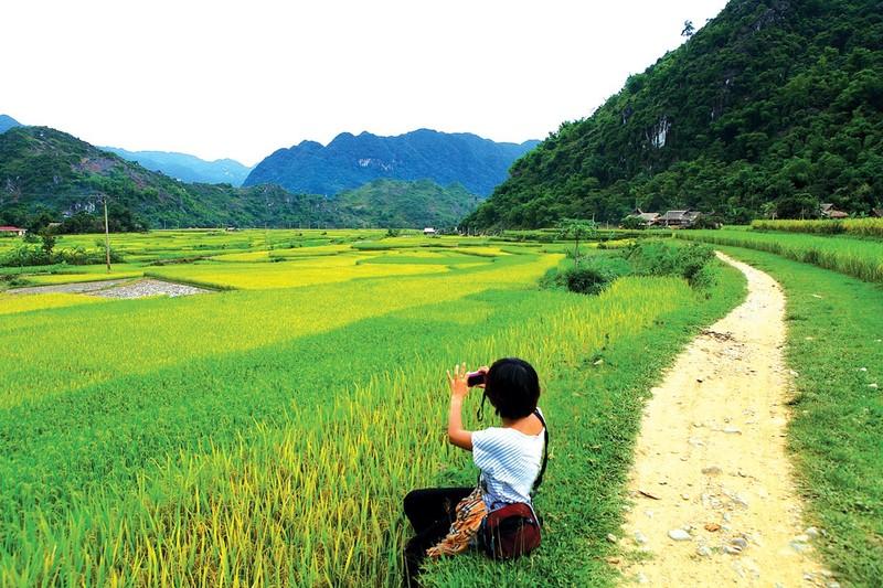 HANOI – MAI HA – HANG – KHO MUONG (3D-2N)
