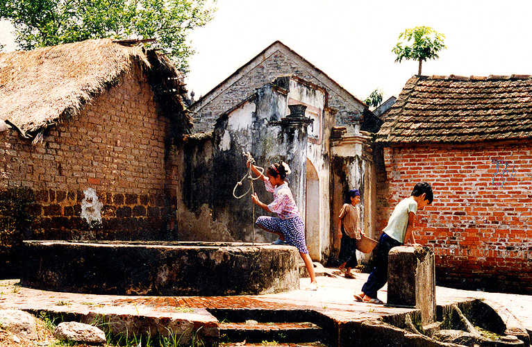 HANOI - DUONG LAM ANCIENT VILLAGE Full Day Package