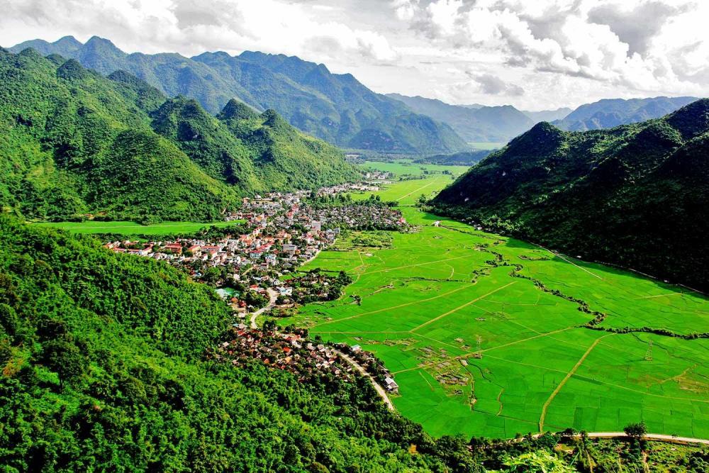HANOI - MAI CHAU - PU LUONG Trekking Tour (4D-3N)
